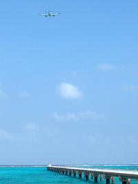 宮古の海へ降りる時 - 京都ときどき沖縄ところにより気まぐれ