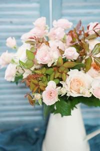 何も足さない勇気 - お花に囲まれて