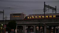 夕暮れ特急&レトロ風情・・・我が街の街角撮影会スナップ集(5)NOCTICRON F1.2 85mm相当で - 『私のデジタル写真眼』
