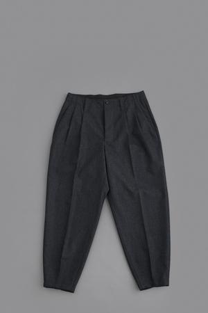 HAVERSACK W/C 2-Tuck Tapered Pants (Charcoal) - un.regard.moderne