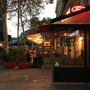 パリの夕暮れ19時頃 - 40 ans a Paris  § 40からのパリ日記