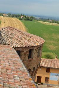 遥か昔のイタリアのお城の台所 - アルルの図書館* 旅する古道具屋