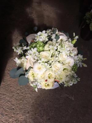 お悔やみの花 - 目黒区 都立大の 花屋  moco    花と 植物で楽しい毎日     一人で全力で営業中