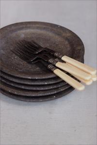 黒錆のお皿 - なづな雑記