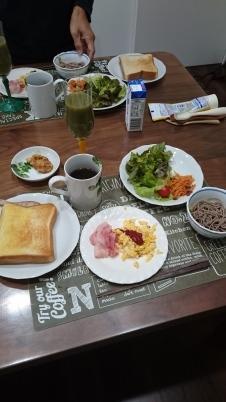 朝ごはんを作ることなんか・・・ -