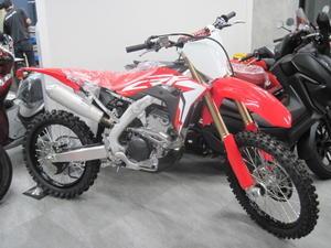 Honda オフロード・ミーティング - バイクの横輪