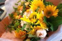 10月のひまわり - 金沢市 花屋 フローリストビーズニーズ blog
