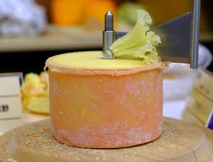 「国産チーズ万歳!ジャパンチーズアワード&第7回日本の銘チーズ百選」 - じぶん日記