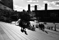 大阪梅北モノクロの世界 ① - 写真の散歩道