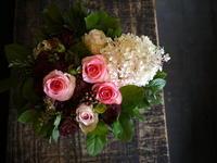お誕生日のアレンジメント。60歳女性へ。2018/10/15。 - 札幌 花屋 meLL flowers