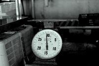 柿紅葉月 寫誌 ㉑忖度する秤 - le fotografie di digit@l