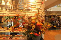 エニタイムフィットネスセンター赤羽北店様定期活け込みの花ハロウィン2018 - 北赤羽花屋ソレイユの日々の花