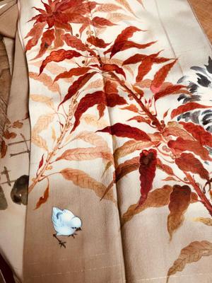 葉鶏頭(ハゲイトウ)と鶏とひよこ柄着物 - 中村かをる創作帯屋