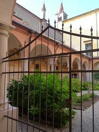 聖堂の回廊 (Chiostro del Santuario ) - エミリアからの便り