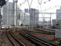 藤田八束の鉄道写真@神戸駅からの写真・・・これはいい!交差する貨物列車桃太郎 - 藤田八束の日記