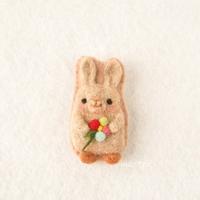 ウサギのブローチ - miz-fc