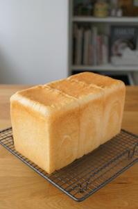 1.5斤型で角食を焼く - launa パンとお菓子と日々のこと
