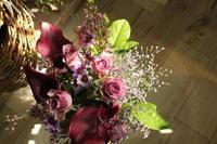 お誕生日の花紫 - 北赤羽花屋ソレイユの日々の花