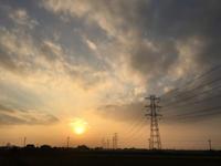 夕陽が綺麗になってきた - 陶芸ブログ 限 無 窯    氷裂貫入青瓷の世界