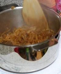 オニオングラタンスープ - ヨーロッパ文化をお届けします。