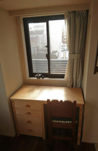 食器棚、デスク納品 - KAKI CABINETMAKER