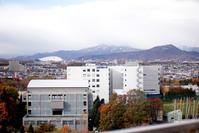 砥石山の山ひだに2018年の初雪 - 照片画廊