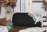 ブラックリネンのラウンド型長財布 - Petit mame