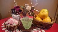 素敵な器と布花、こぎん刺しを飾った明るいテーブル - 秋田 蕗だより