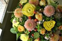 マム「オペラピンク」を使ったフラワーアレンジメント。 - 花色~あなたの好きなお花屋さんになりたい~