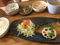 1日 サバの味噌煮@わたしの食卓 - 香港と黒猫とイズタマアル2