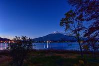 長崎公園の夜明け - 風とこだま