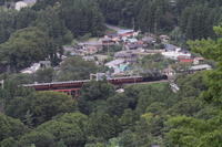 緑に囲まれた鉄橋と駅を走り去っていった汽車- 秩父鉄道・2018年初秋 - - ねこの撮った汽車