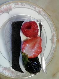 朝からショートケーキ - おじさん秀之進の山中リタイヤ生活