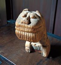 木彫狛犬/霜月11月・2018幾一里カレンダーより - 京都の骨董&ギャラリー「幾一里のブログ」