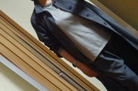 チャコールグレーの軽いコート - おしゃれ自己満足日記