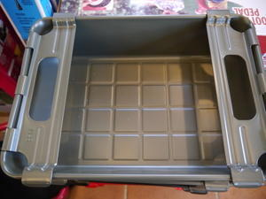 たくさんの銀玉が出てドル箱を積み上げたわけではありません(笑) MERCURY BUTTERFLY STACKING BOX新登場!! - GLASS ONION'S BLOG