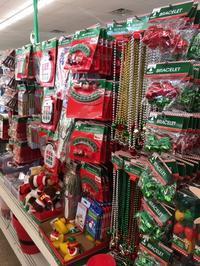 100円ショップのクリスマス風景 - アバウトな情報科学博士のアメリカ