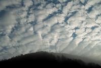 10℃・・・うろこ雲朽木小川・気象台より - 朽木小川・気象台より、高島市・針畑・くつきの季節便りを!