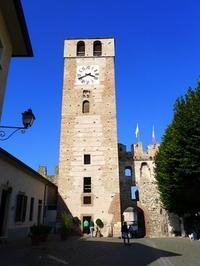 村の時計塔 (Torre dell'orologio) - エミリアからの便り