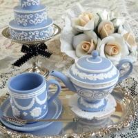 アンティークシルバーの銀器とお花㉞~バースデー♪ - アンティークな小物たち ~My Precious Antiques~