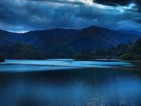 奥多摩湖夕暮れ時 - 風の香に誘われて 風景のふぉと缶