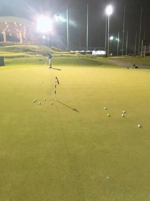 パッティング距離感の合わせ方 下り傾斜編 - シンガポール ゴルフレッスンブログKINOGOLFマネジメント