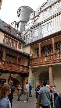 「新しい」旧市街を訪ねて - アンサンブラウ スタッフブログ:ドイツ!フランス!イタリア!英国!シンガポール!海外ビジネス最新情報