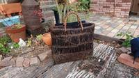 古い葡萄籠 - 古布や麻の葉