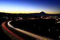 30年11月の富士(3)北杜市の夜明けの富士 - 富士への散歩道 ~撮影記~