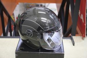 モモデザイン ヘルメット♪ - 東京ヴェスパBlog