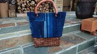 葡萄下籠に襤褸でトートバッグ - 古布や麻の葉