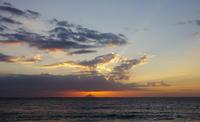 利島。 - 雲空海