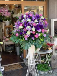 コンサート会場のスタンド花をお届けしました - ルーシュの花仕事
