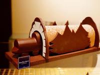 クリスマスケーキはチョコレート派?2018年新作クリスマスケーキ特集 第2弾〜[佐藤ひと美のスイーツレポート]日本スイーツ協会 - 笑顔引き出すスイーツ探究